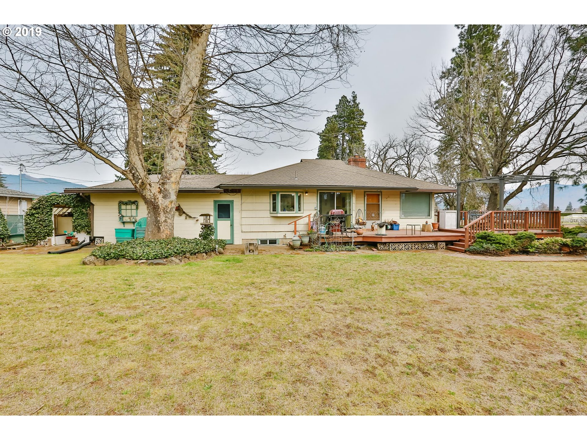 Photo of 1635 AVALON CT Hood River OR 97031