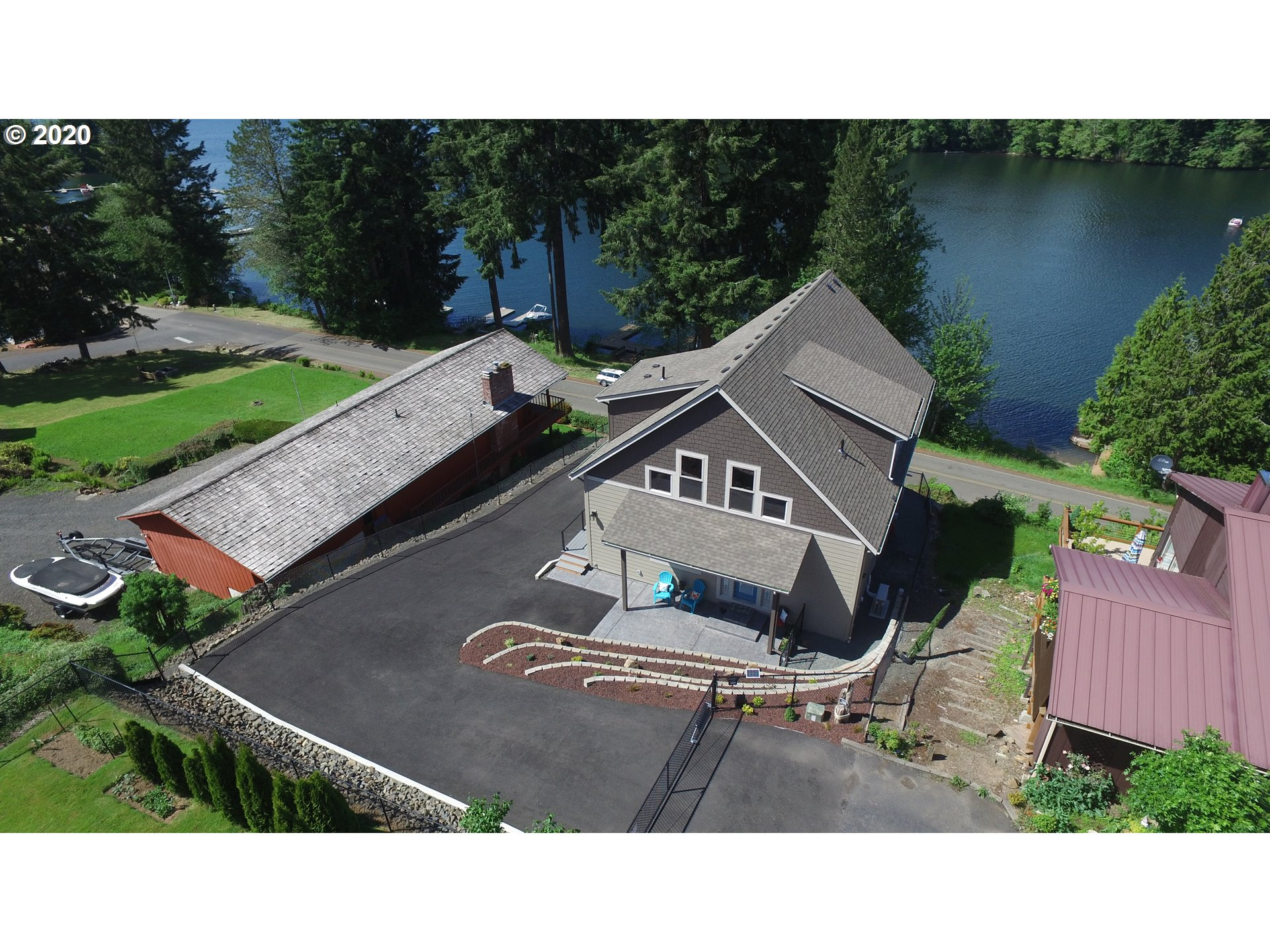 Photo of 138 LAKESIDE DR