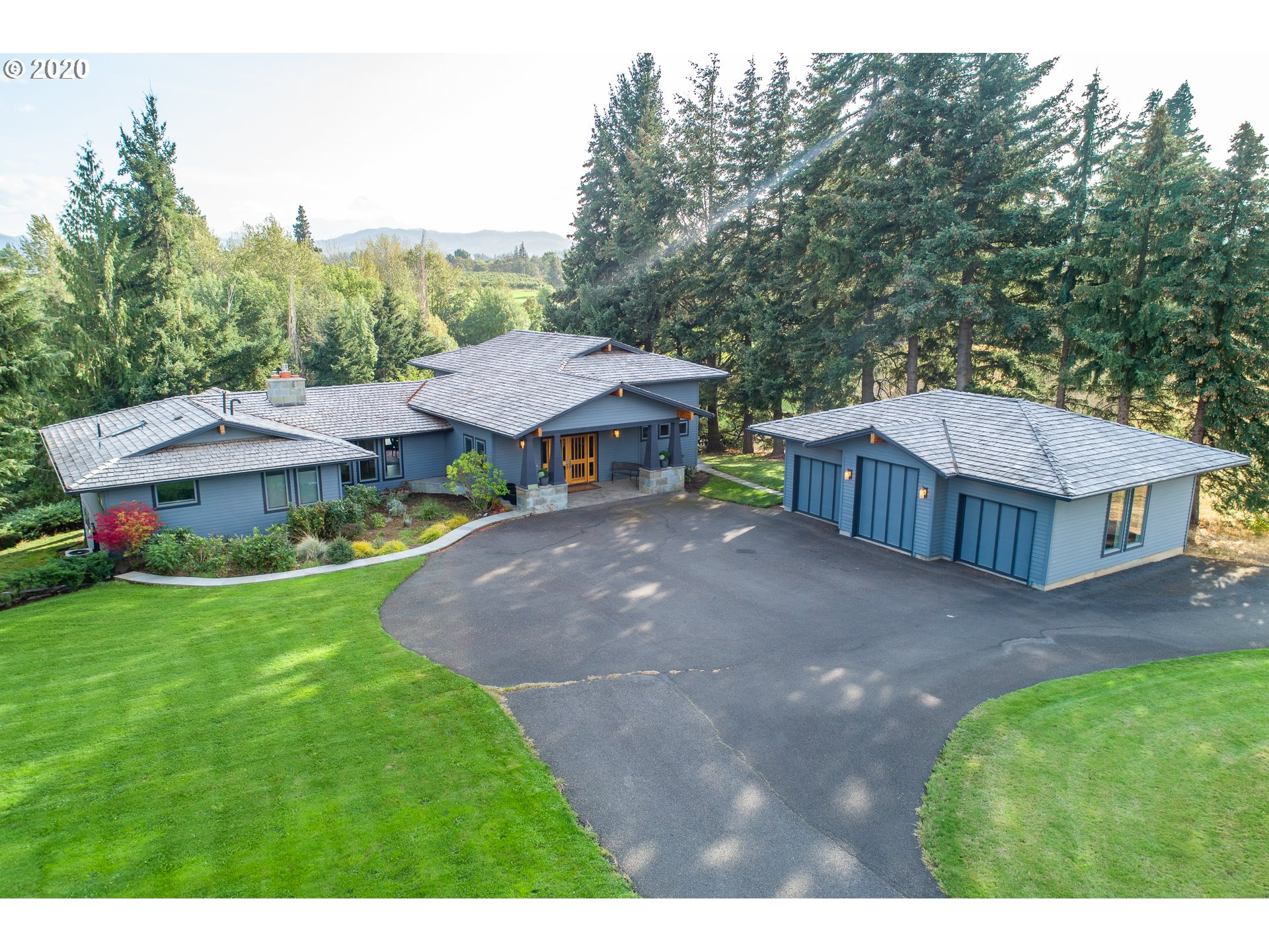 Photo of 1197 INDIAN CREEK RD Hood River OR 97031