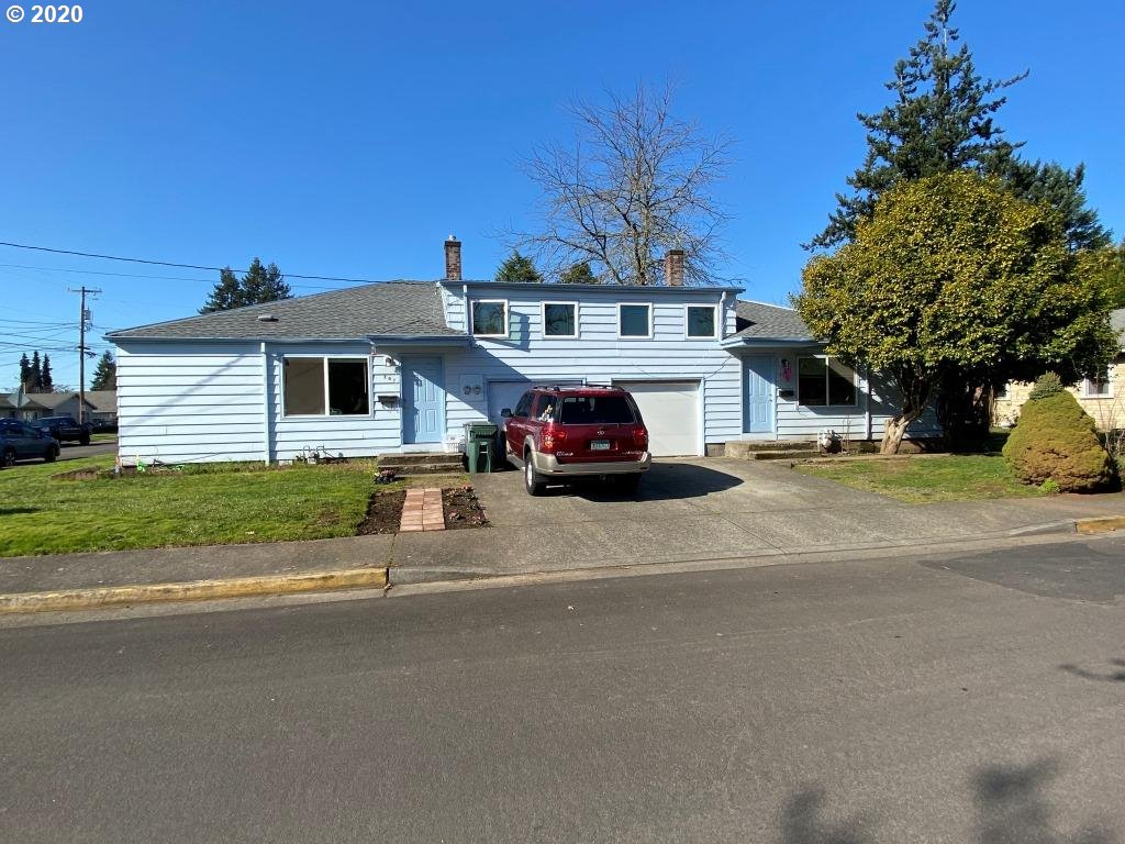 Photo of 207 NW ADAMS AVE