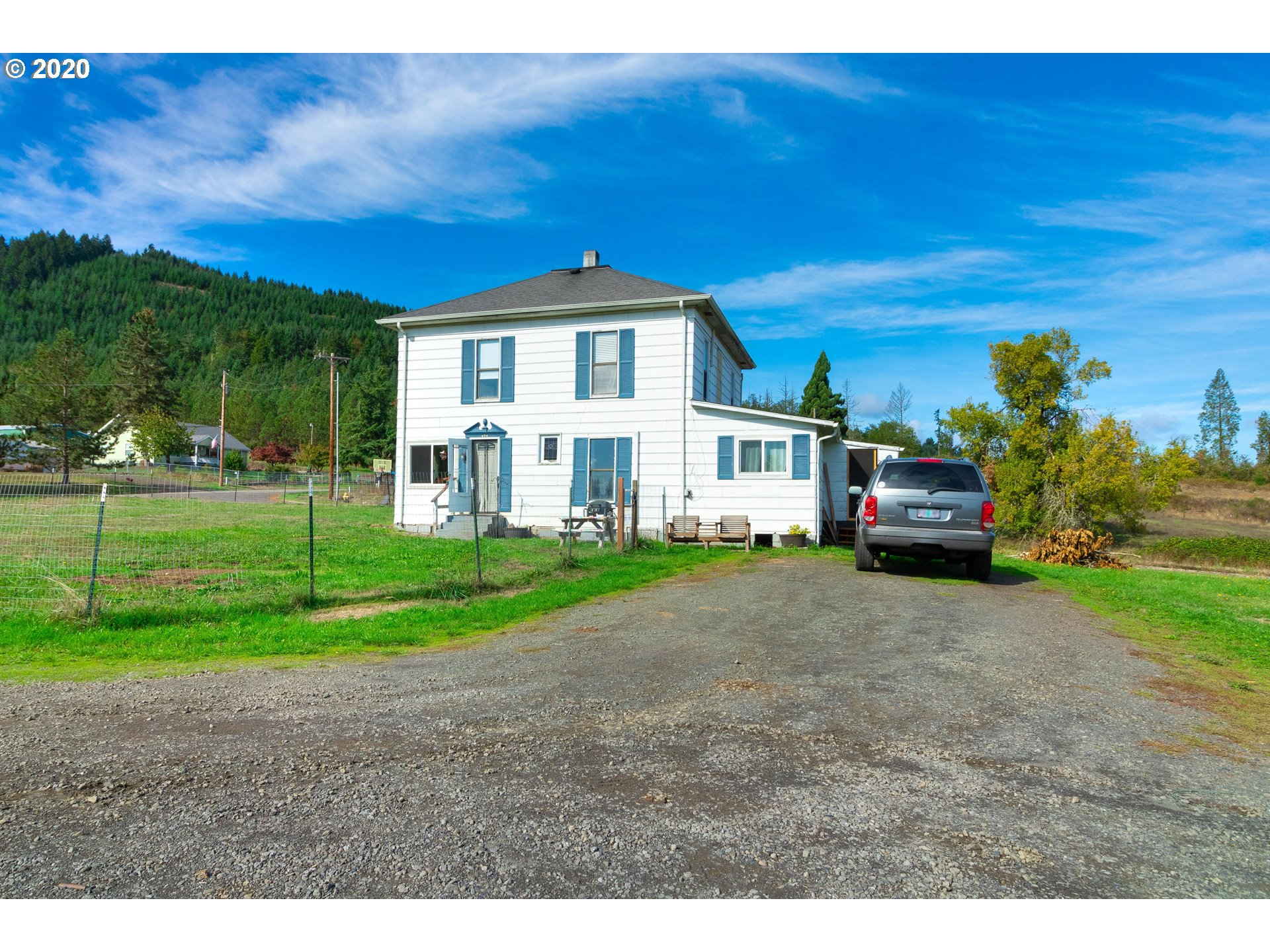 Photo of 654 WILLIAMS RD