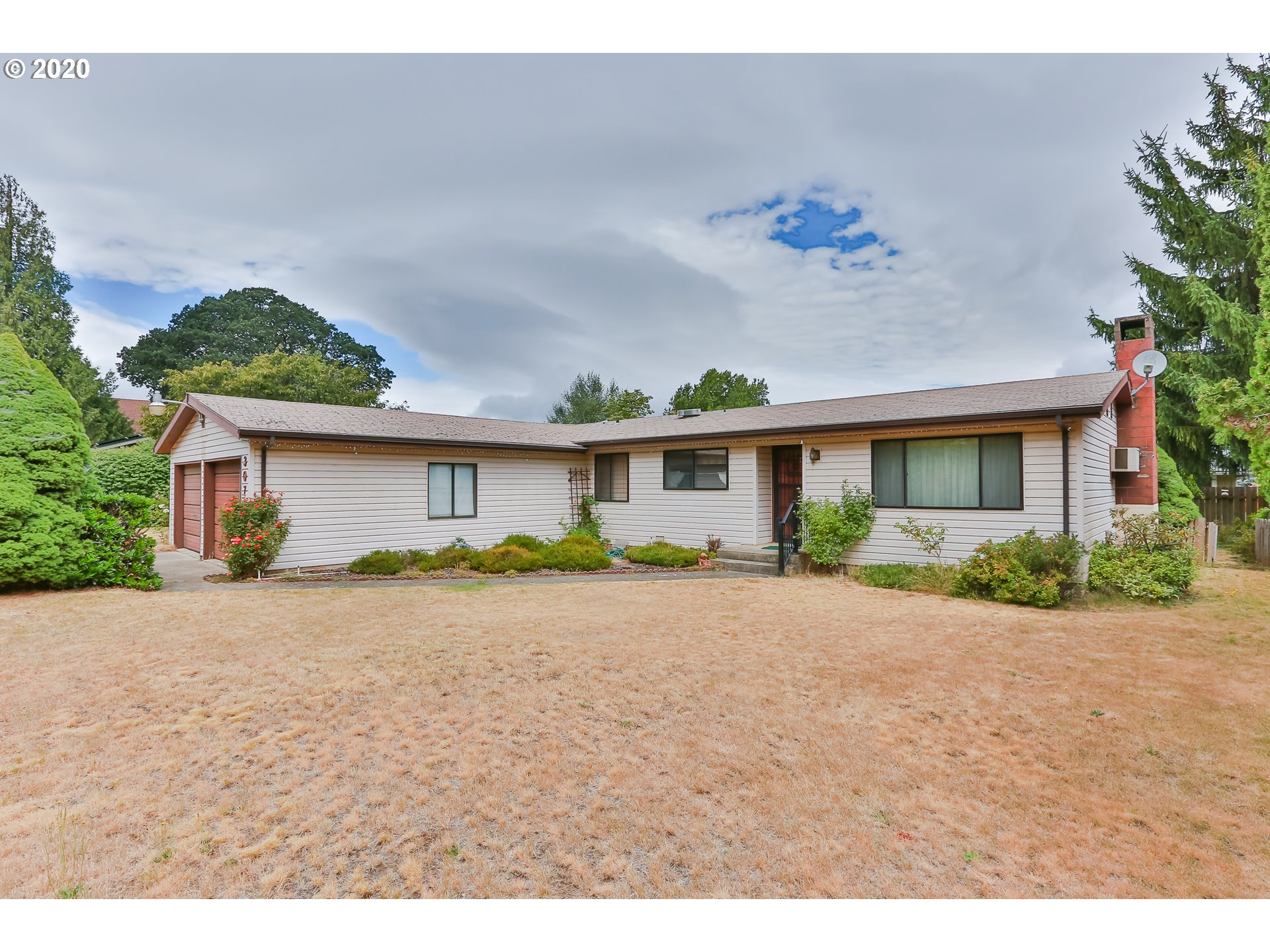 Photo of 3072 ELIOT DR Hood River OR 97031