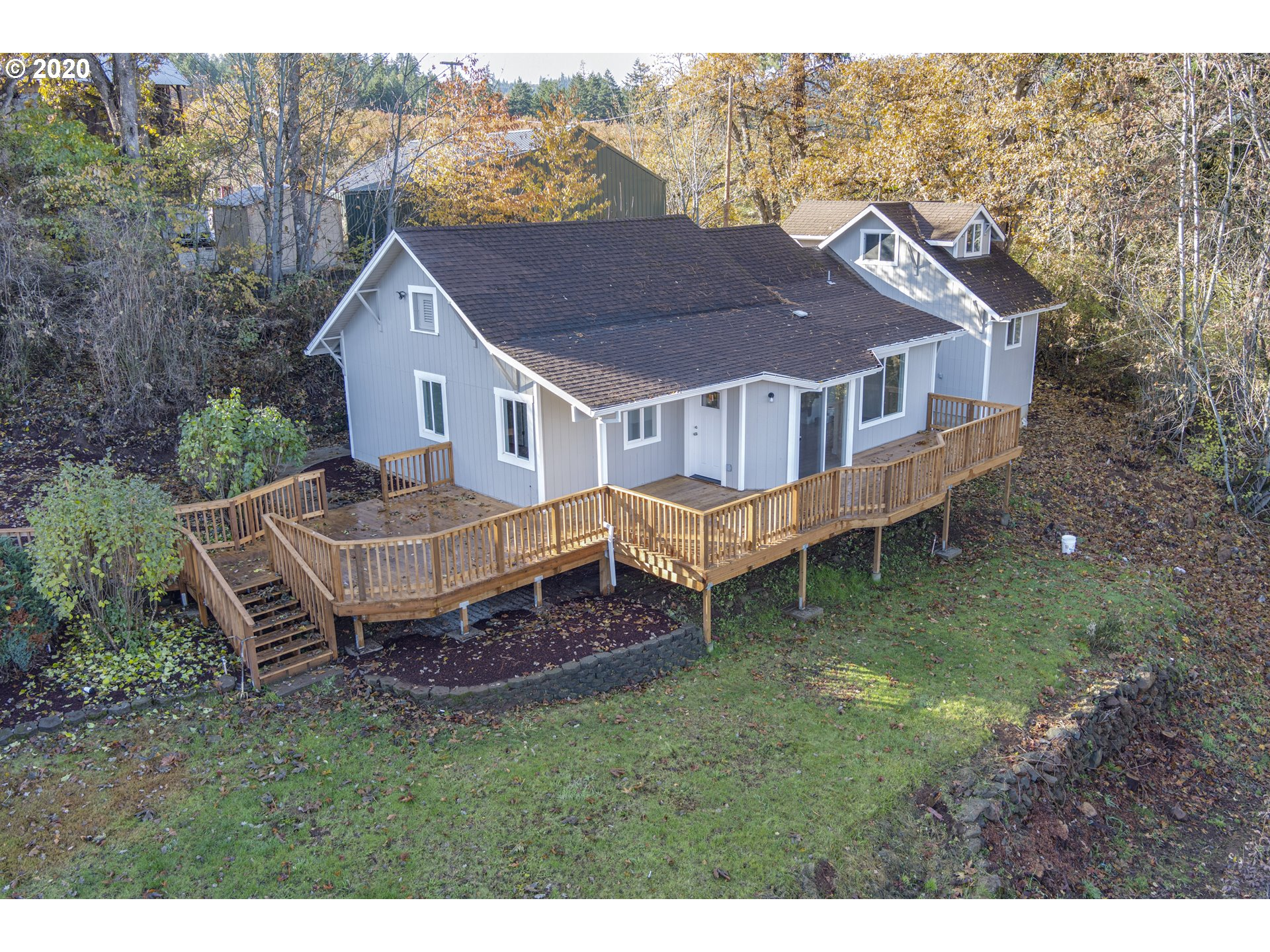 Photo of 3775 CENTRAL VALE DR Hood River OR 97031