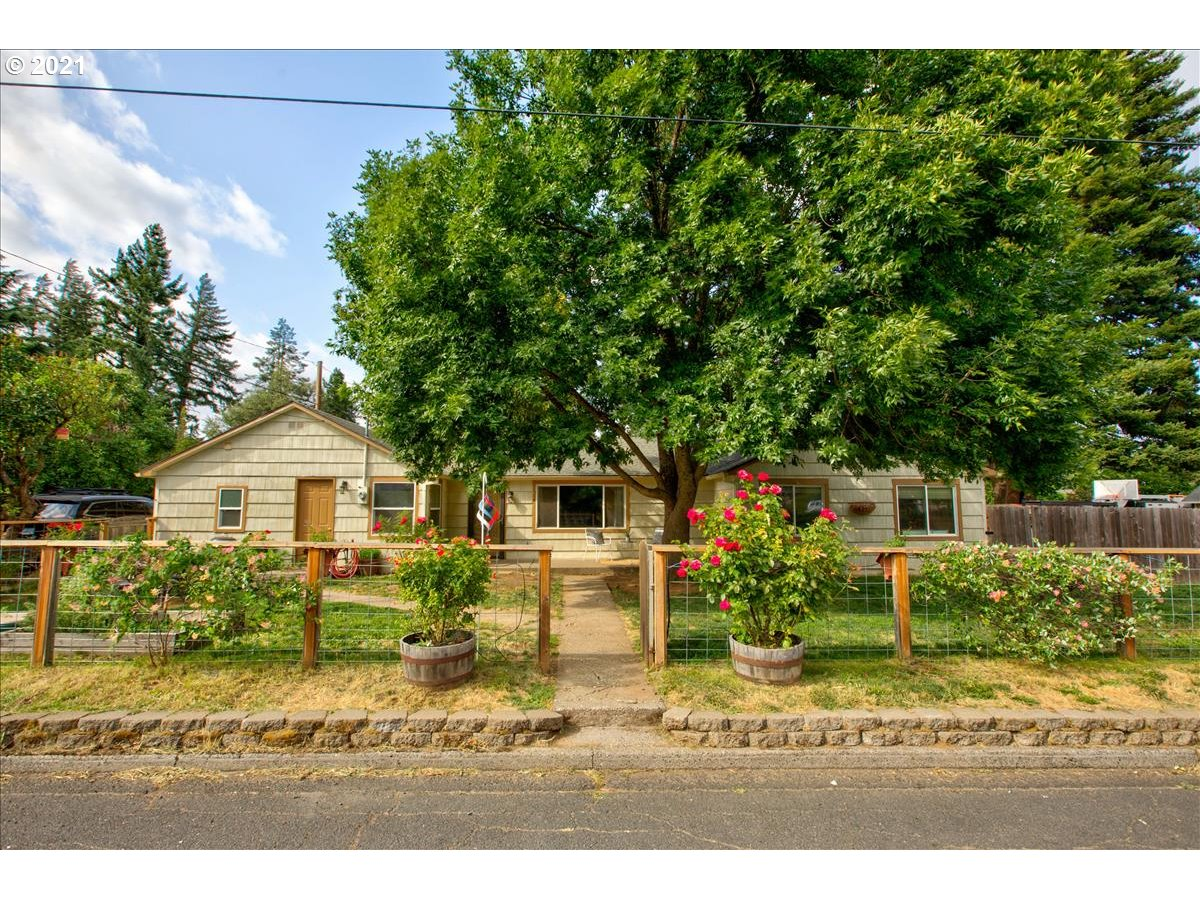 1504 A ST  (1 of 18)