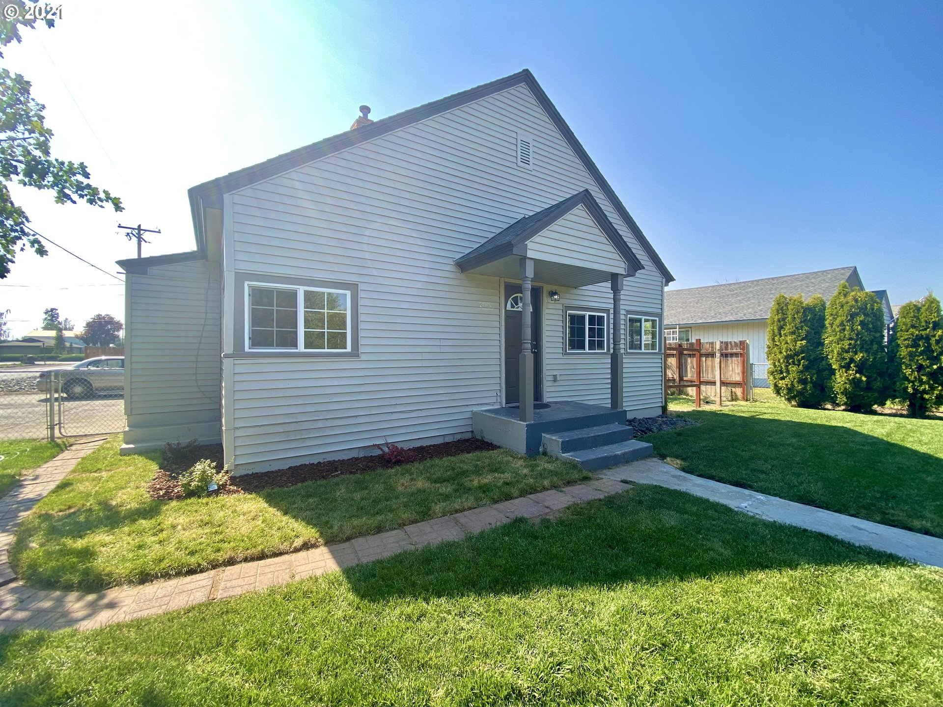 2716 S 3rd ST  (1 of 22)