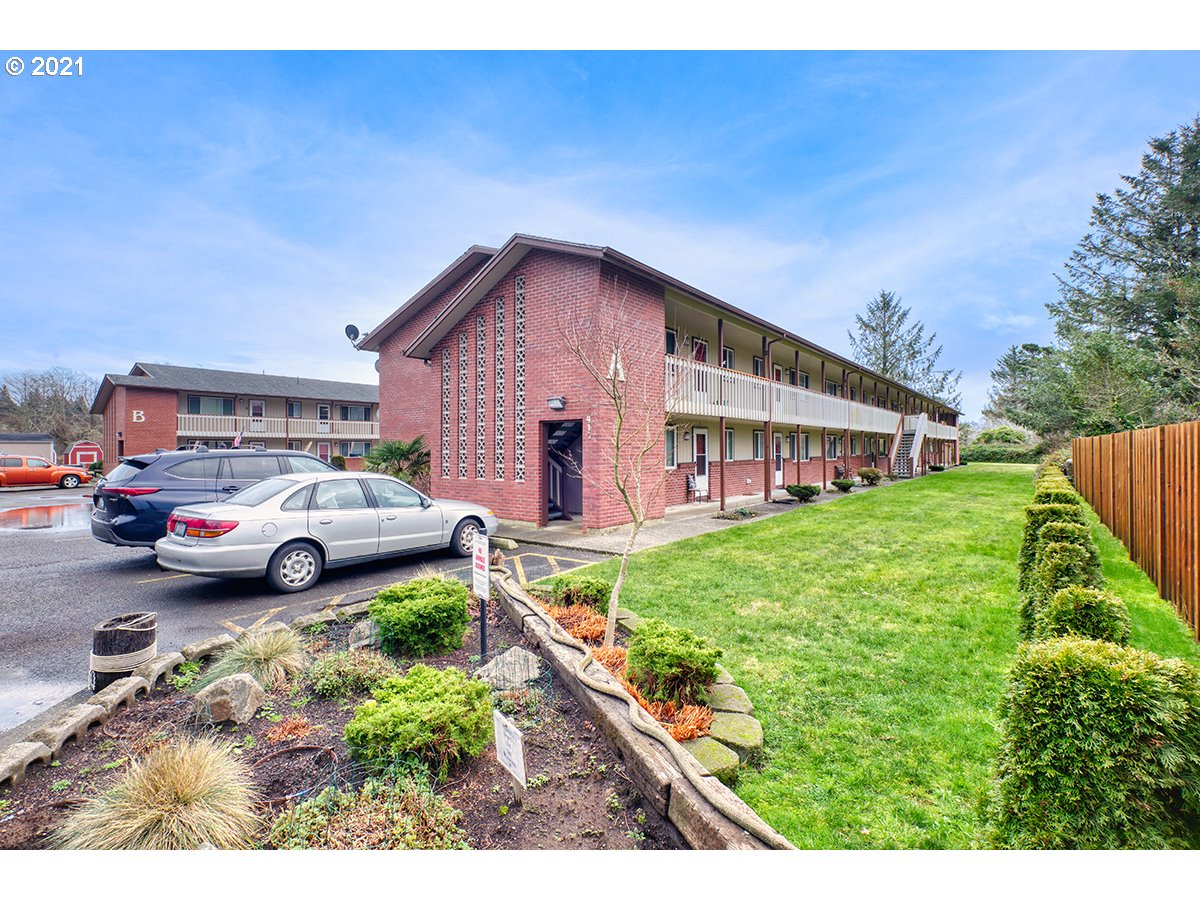 1410 48TH PL A8 (1 of 9)