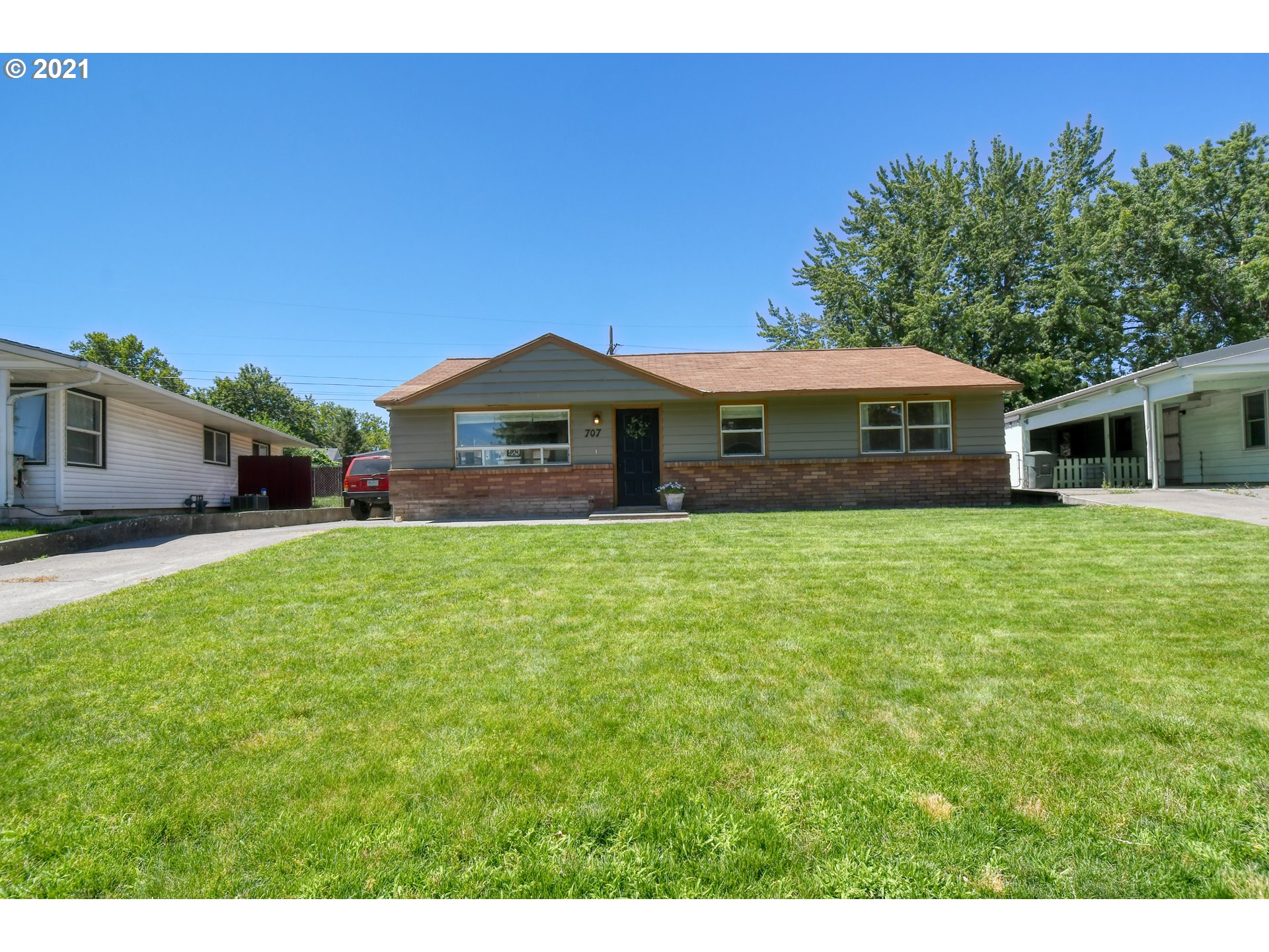 707 SW 28TH ST  (1 of 32)