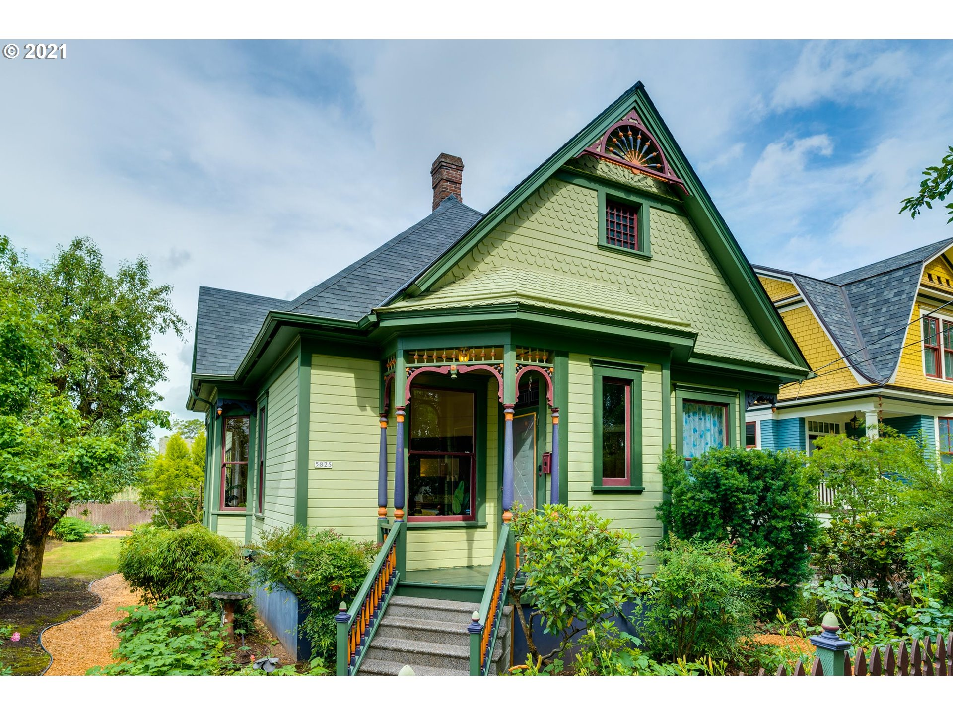 5825 N OMAHA AVE  (1 of 32)