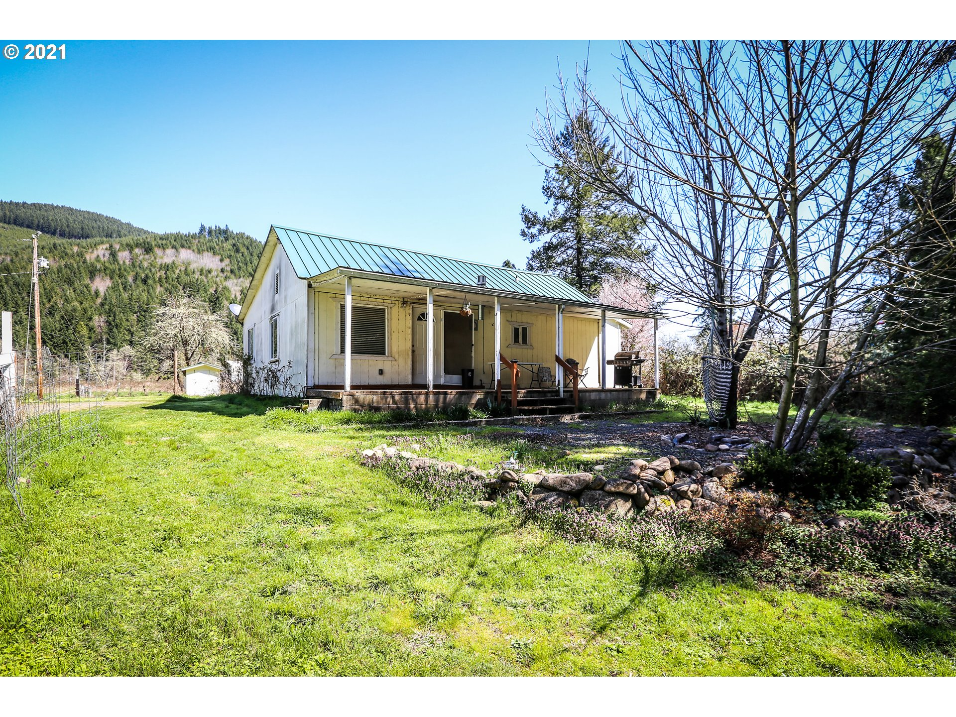 37953 ROW RIVER RD  (1 of 31)