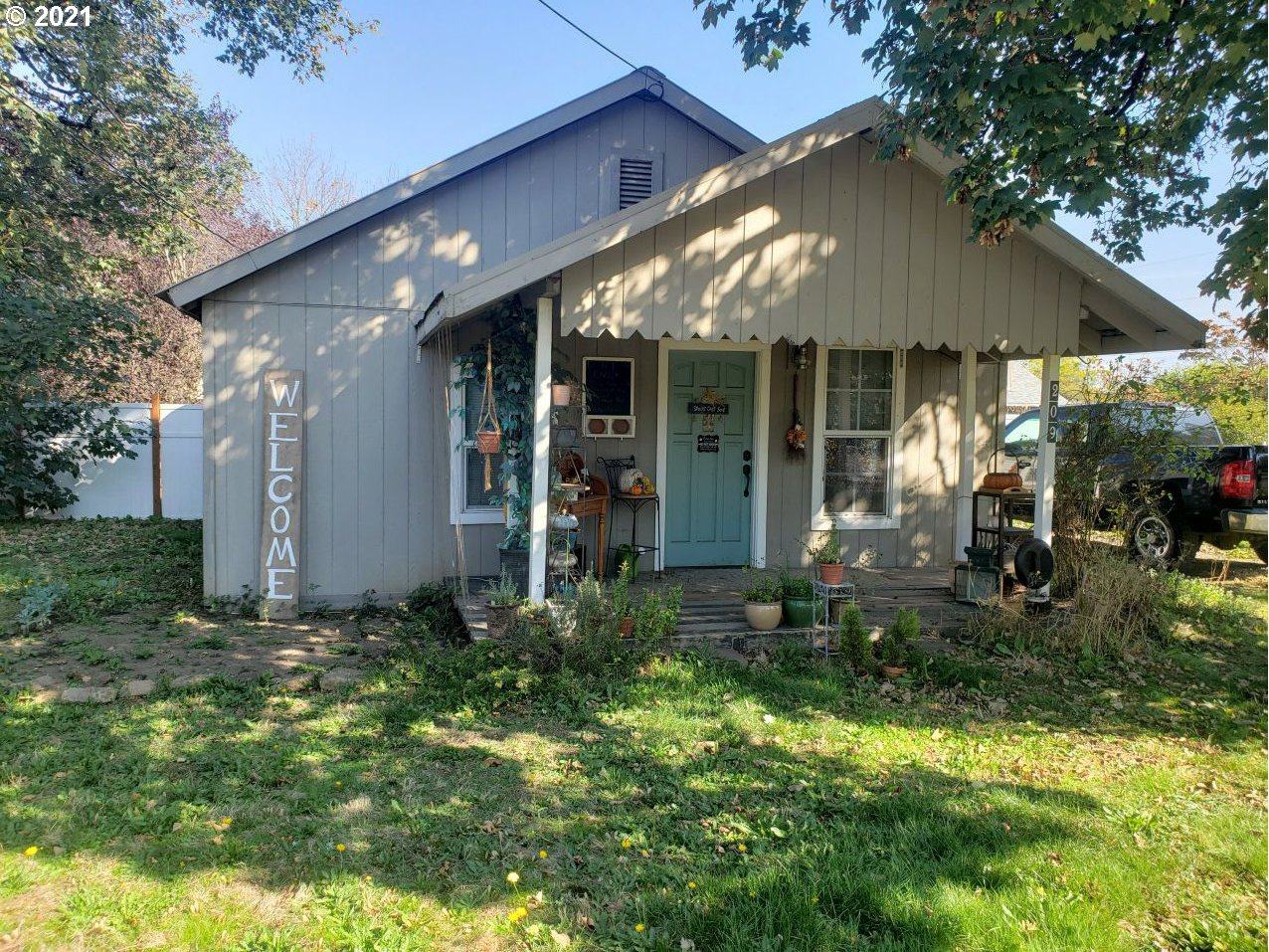 209 W 3RD ST, Molalla OR 97038