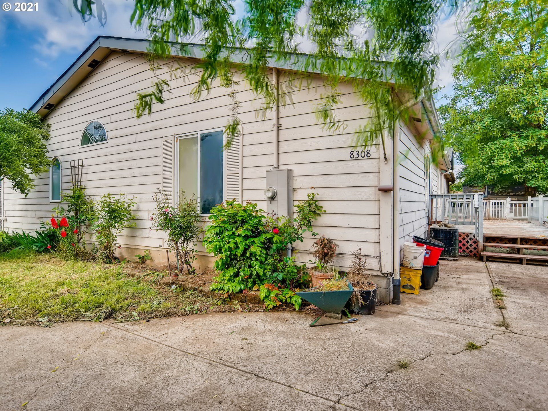 8308 SE 64TH AVE  (1 of 32)