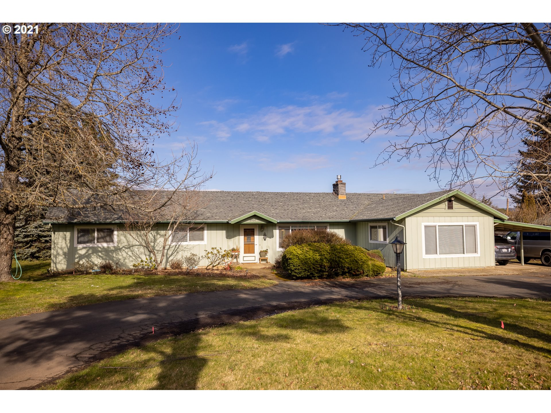 3950 FAIRVIEW DR  (1 of 32)
