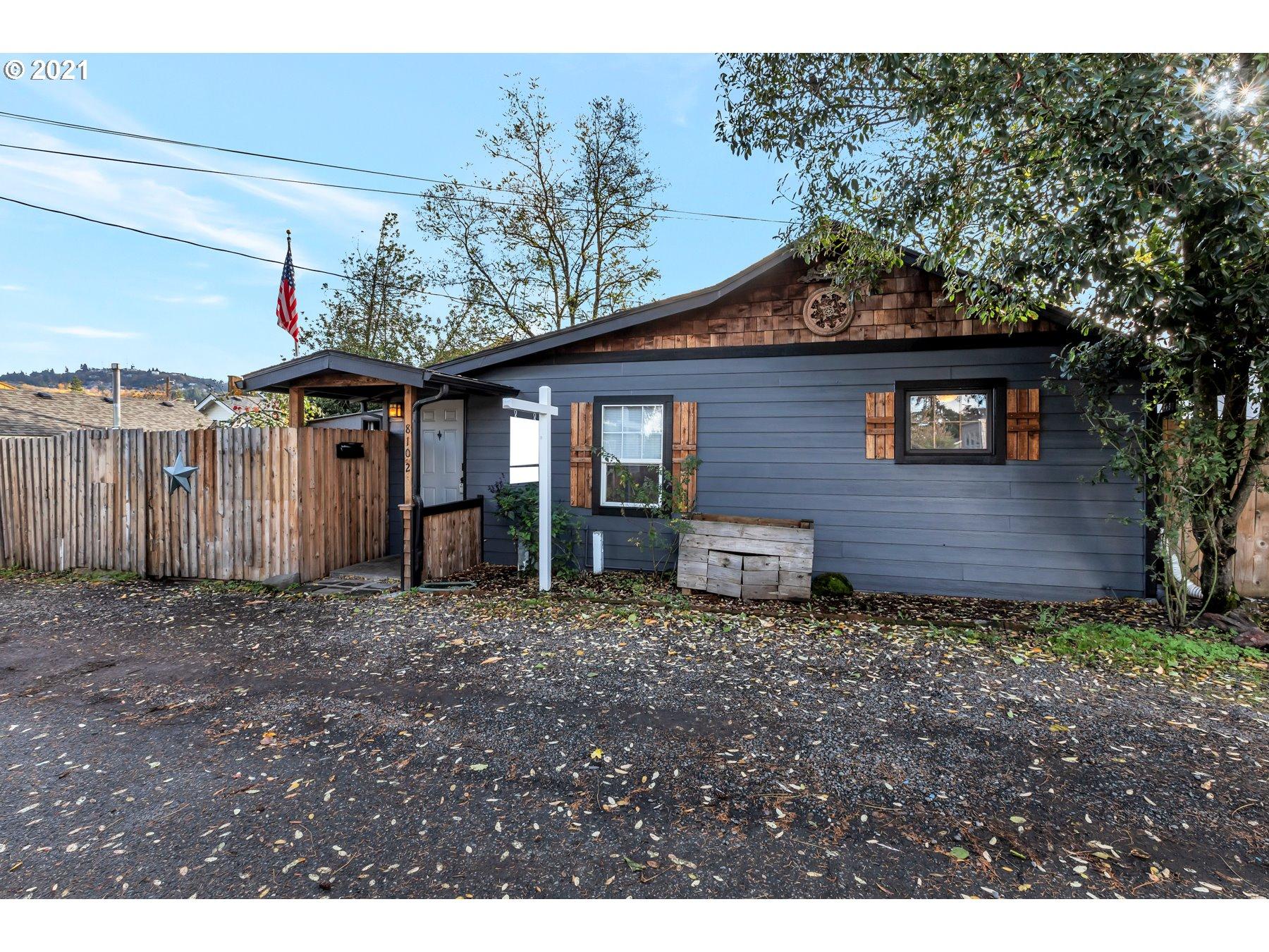 8102 SE MALDEN CT, Portland OR 97206