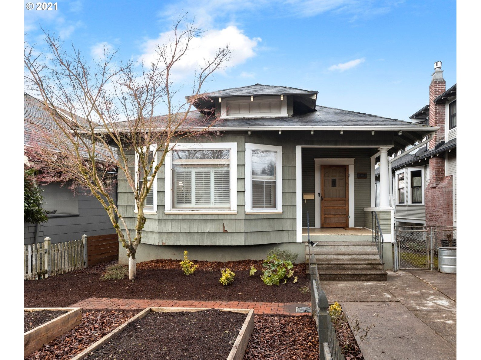 1301 SE 50TH AVE  (1 of 16)