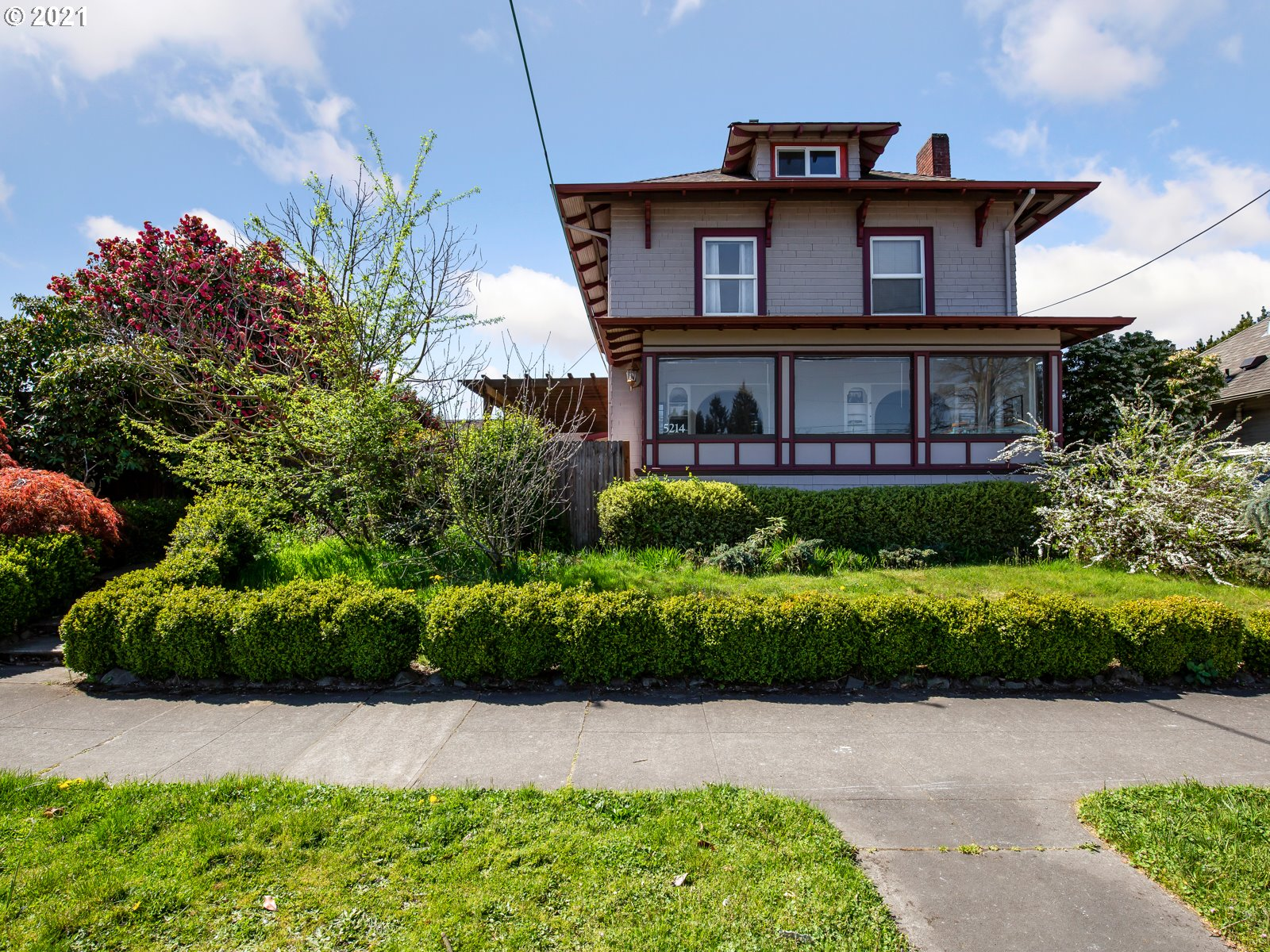 5214 N LOMBARD ST  (1 of 26)