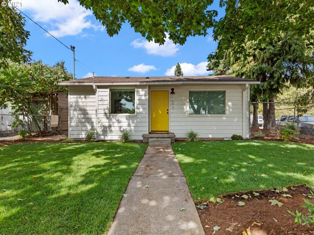 11643 E BURNSIDE ST, Portland OR 97216