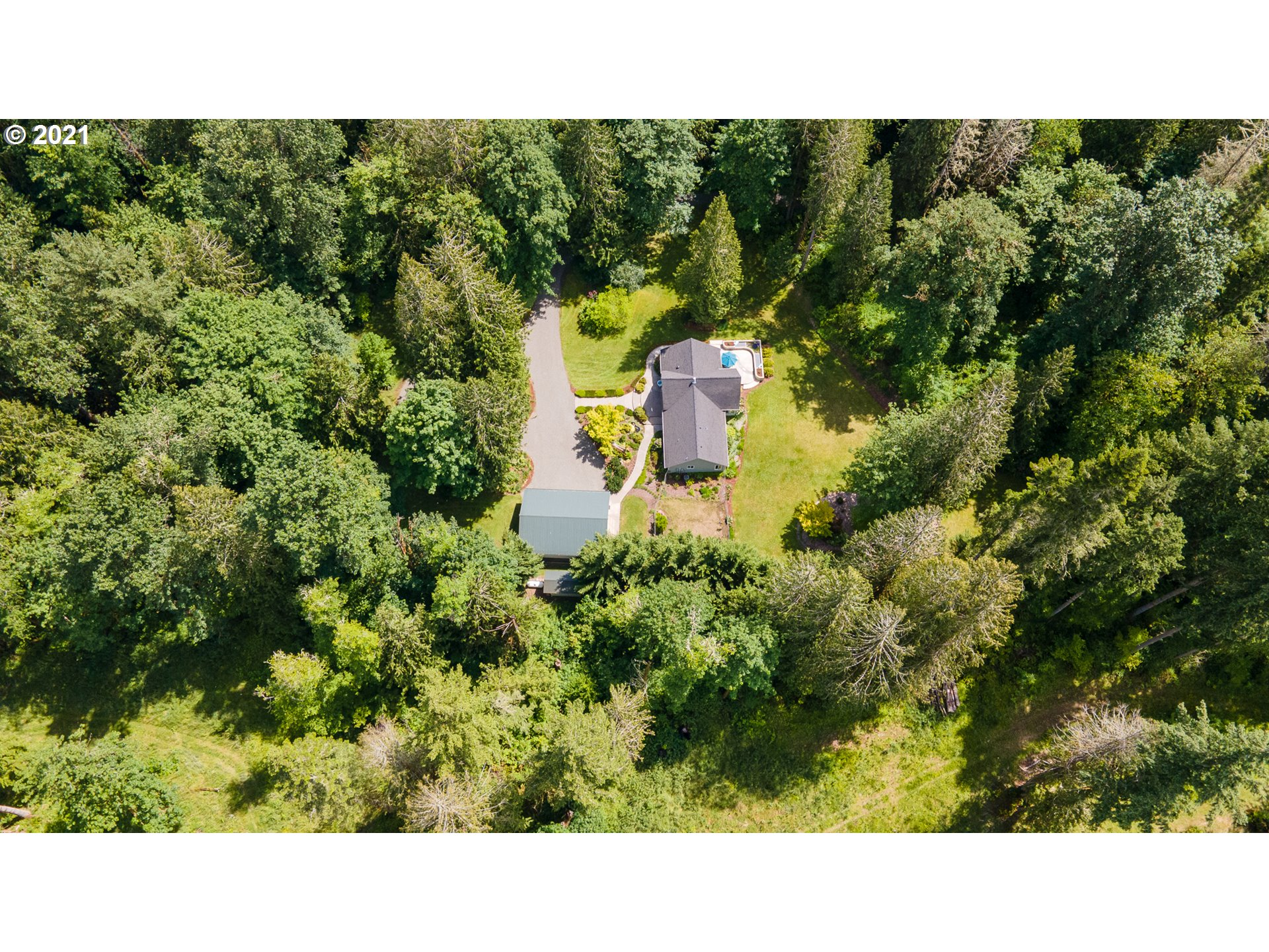 296 GREENWATER DR  (1 of 27)