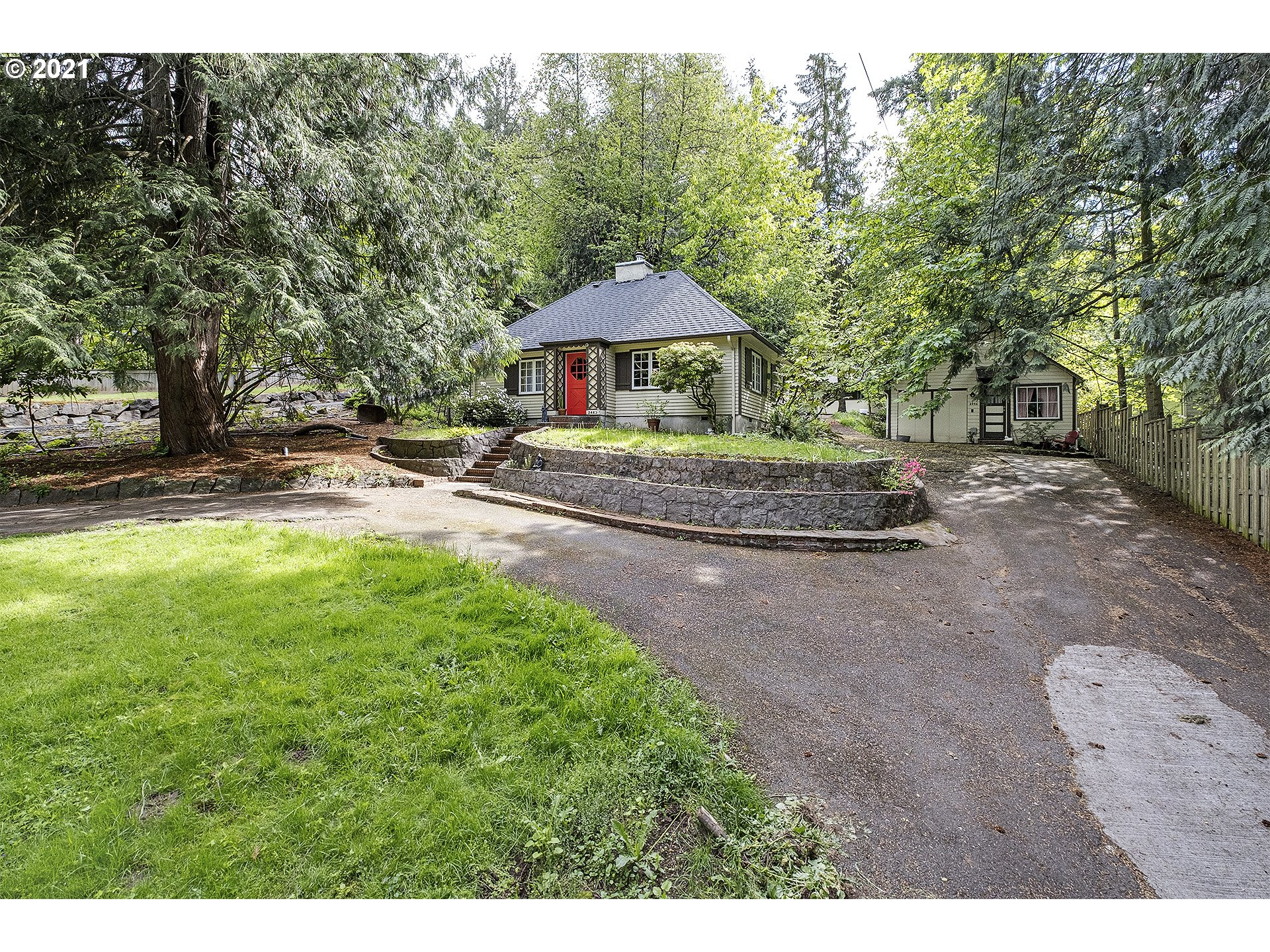 2440 SW 87TH AVE  (1 of 31)