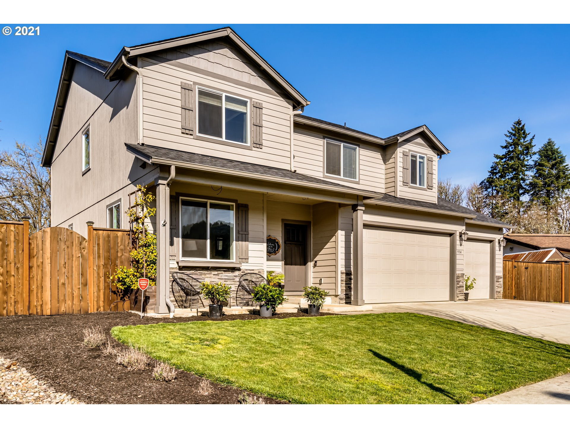 934 S 55TH ST  (1 of 32)