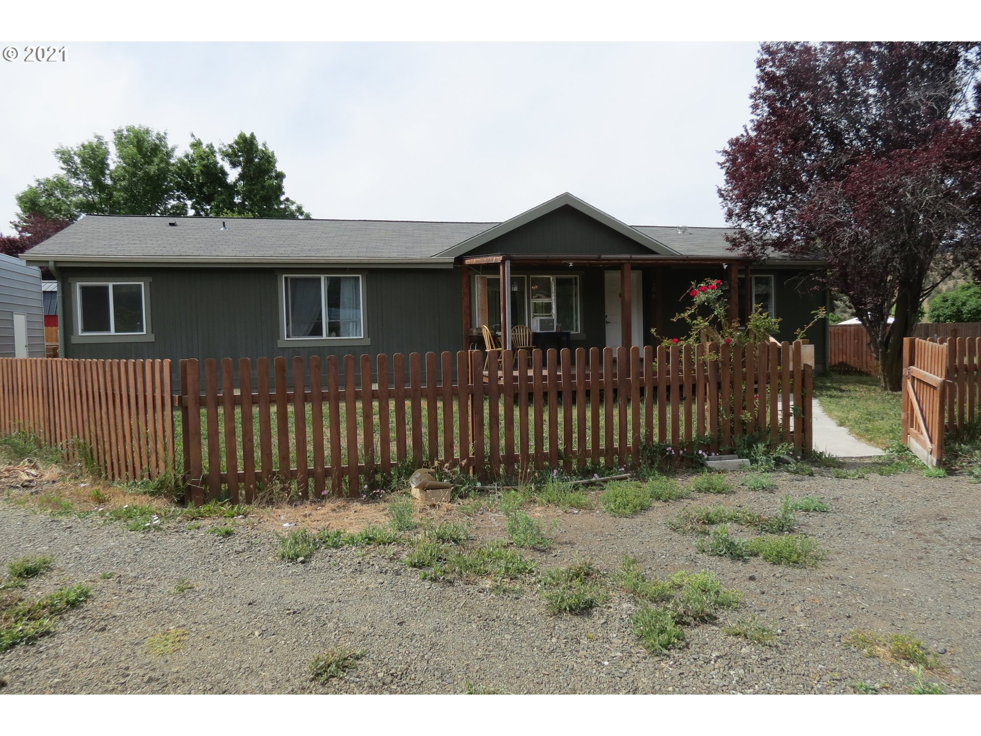 206 GREEN ACRES   (1 of 30)