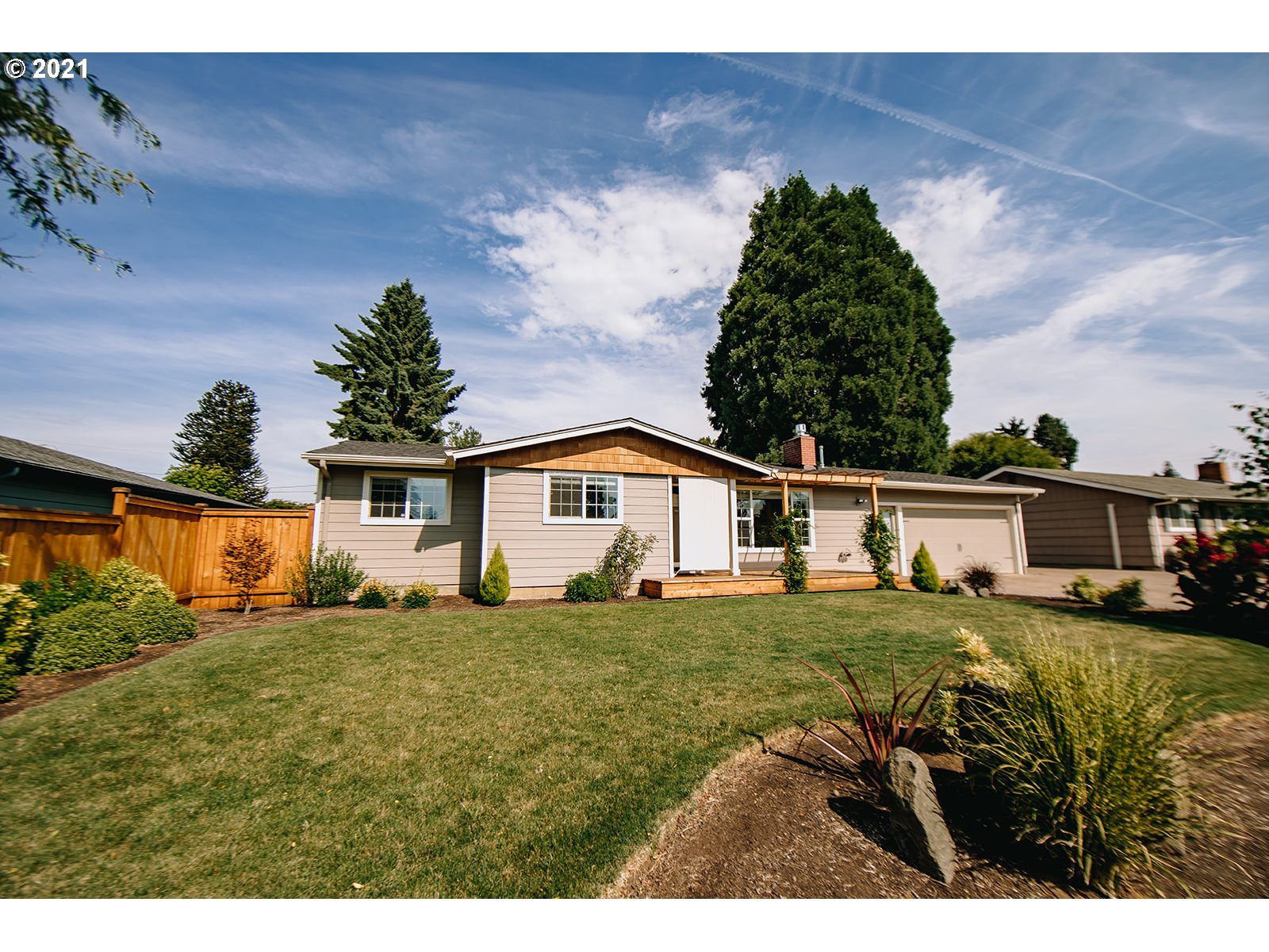 2797 3RD ST, Springfield OR 97477