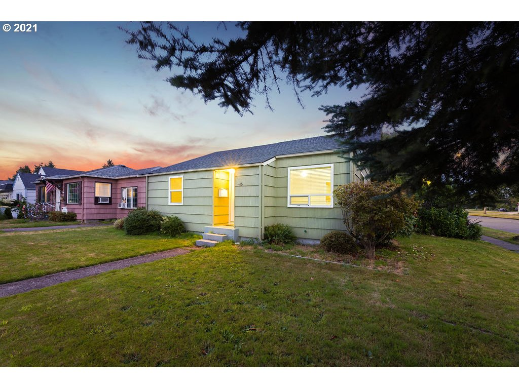 416 27TH AVE  (1 of 32)