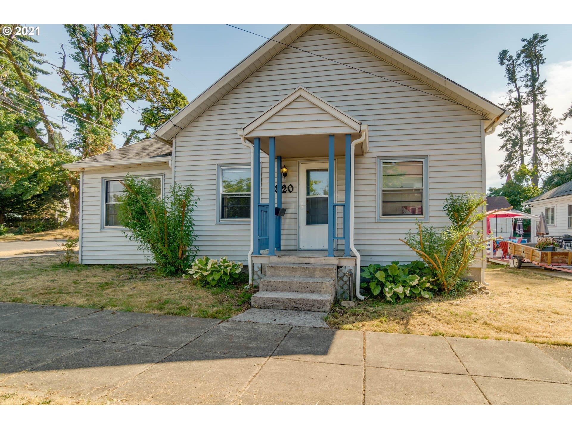 820 9TH ST, Oregon City OR 97045