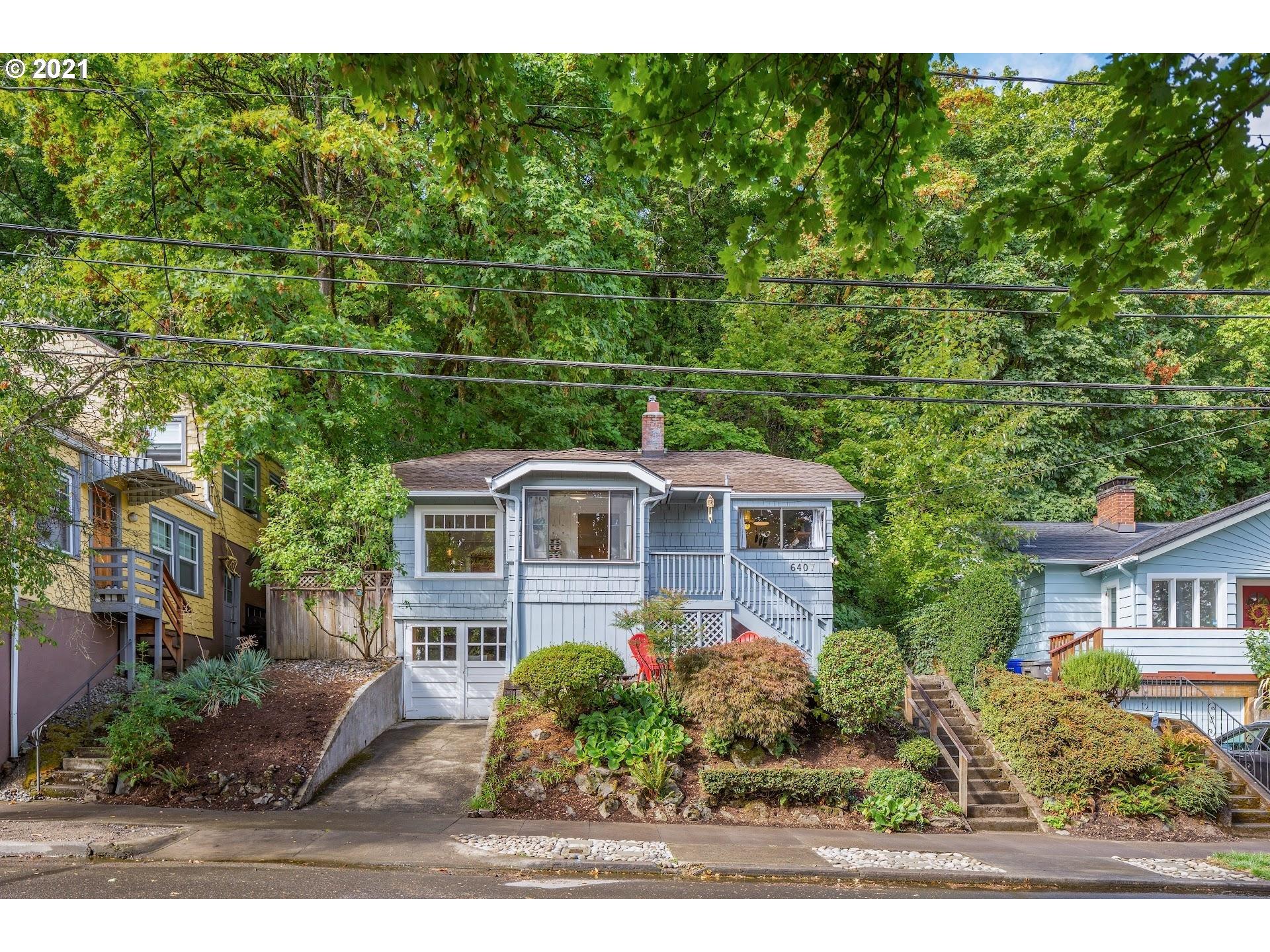6407 S CORBETT AVE, Portland OR 97239