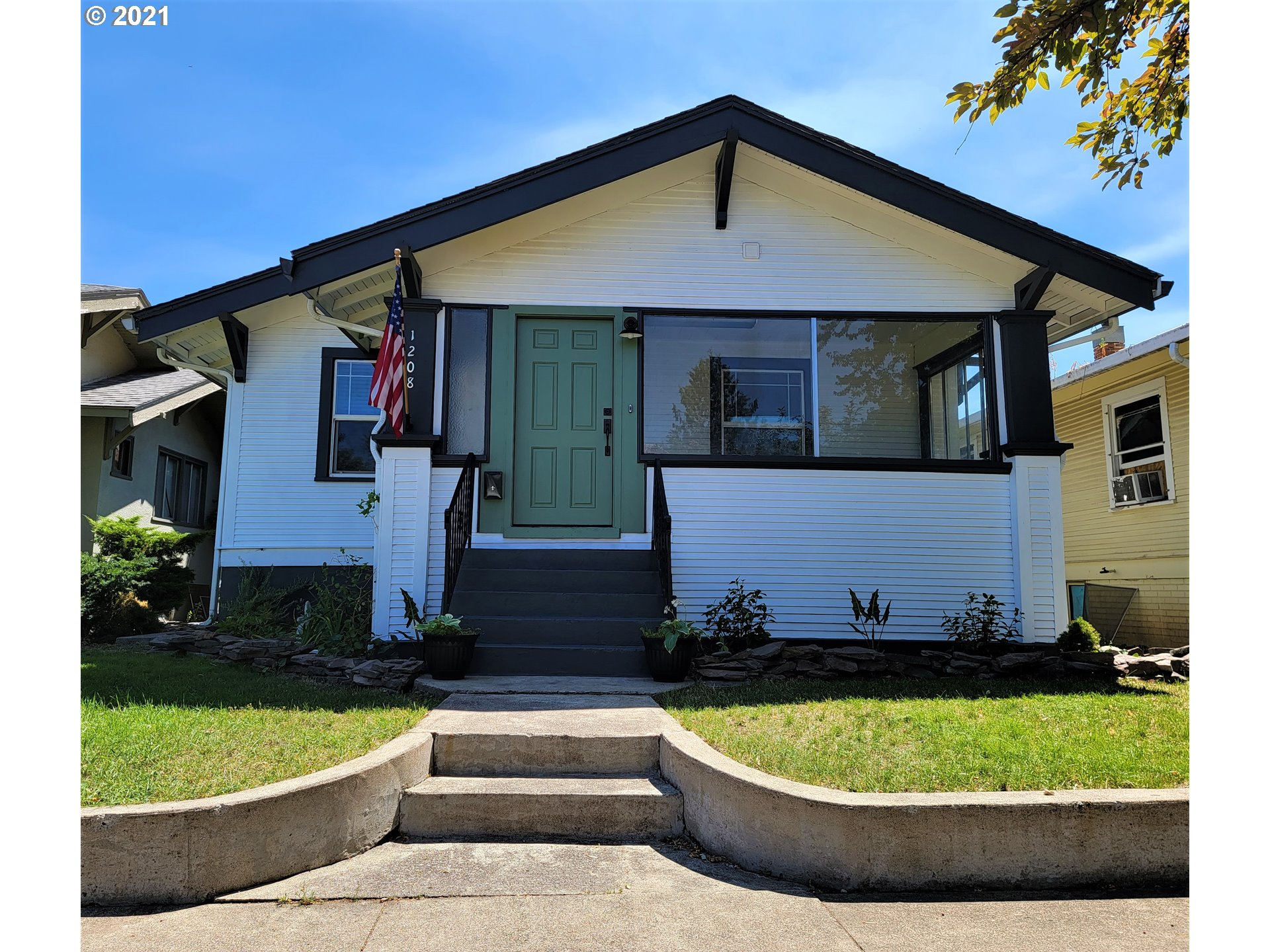 1208 O AVE  (1 of 24)