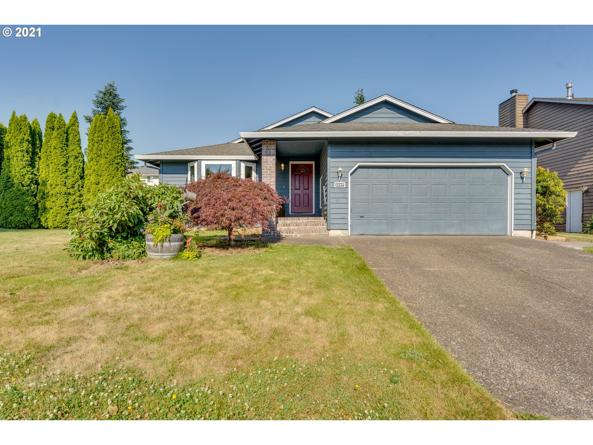 2247 NW CASCADE ST  (1 of 32)