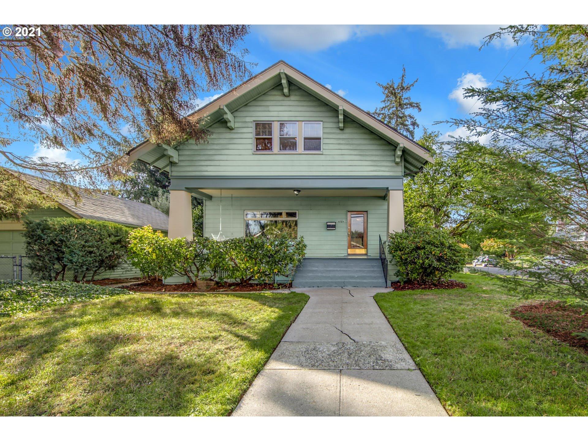 6704 SE BROOKLYN ST, Portland OR 97206