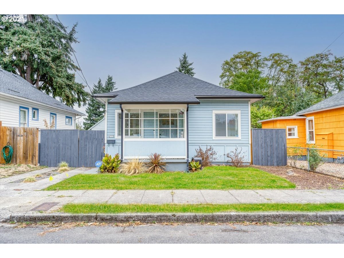 6737 SE STEELE ST, Portland OR 97206