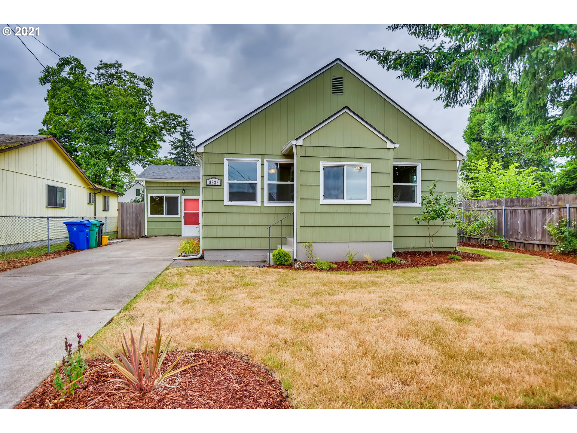 8229 SE 70TH AVE, Portland OR 97206