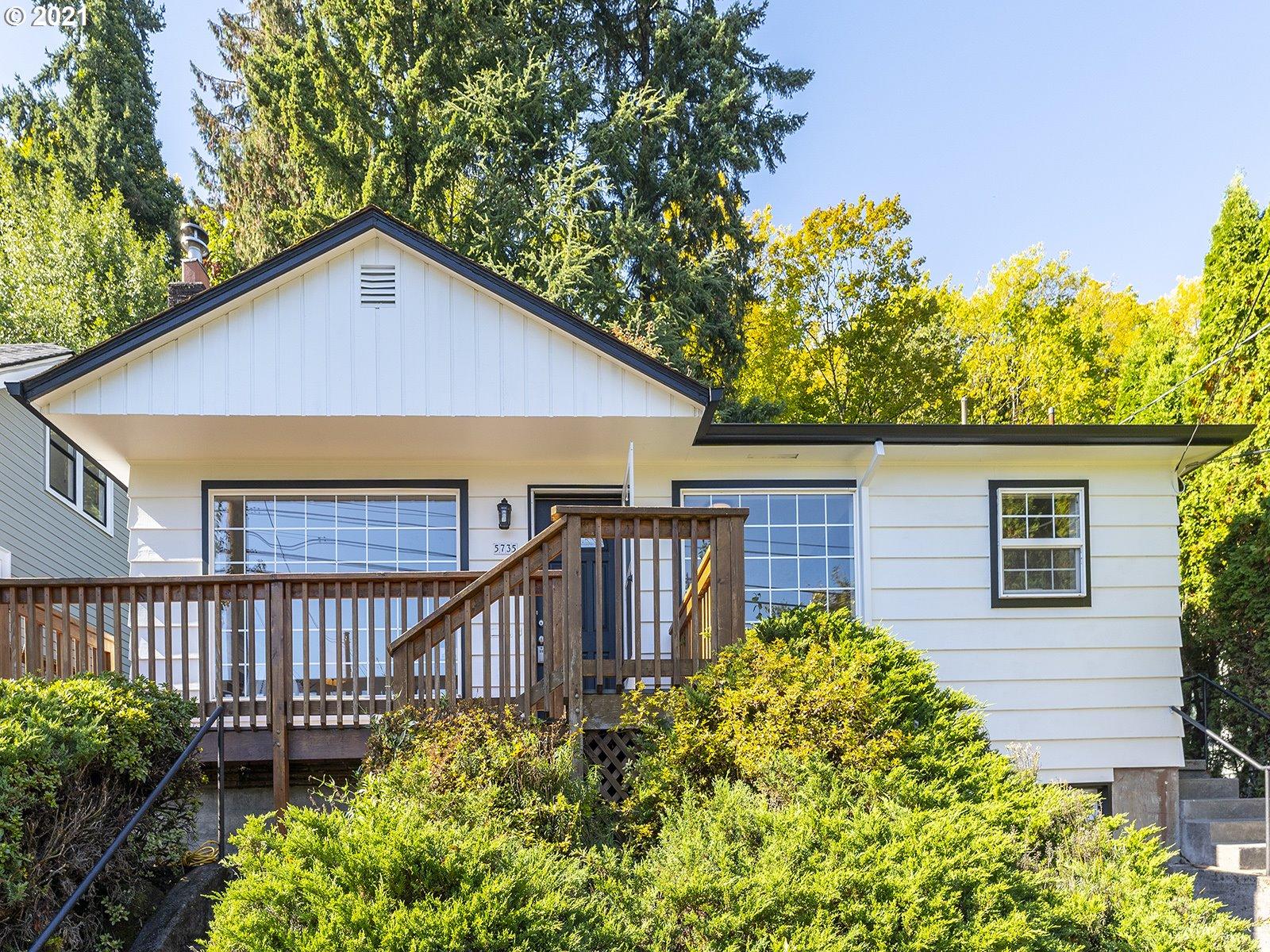 5735 S CORBETT AVE, Portland OR 97239